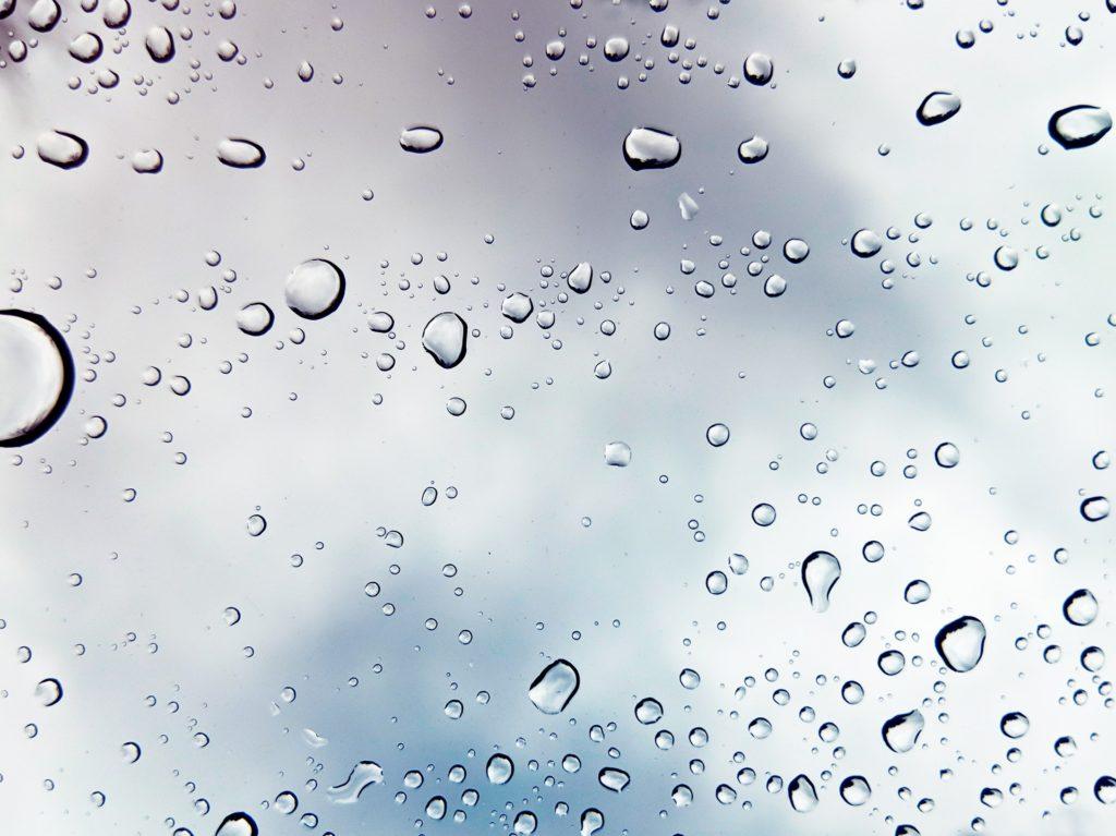 luftentfeuchter wassertropfen ansammlung